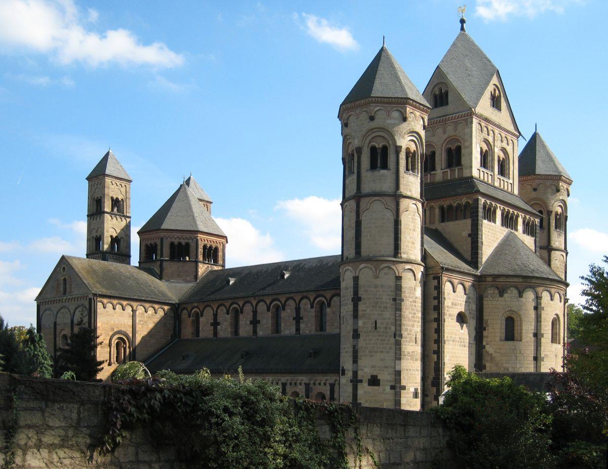 Ottonian Architecture